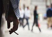 Jak zarobić na niedopałkach papierosów?