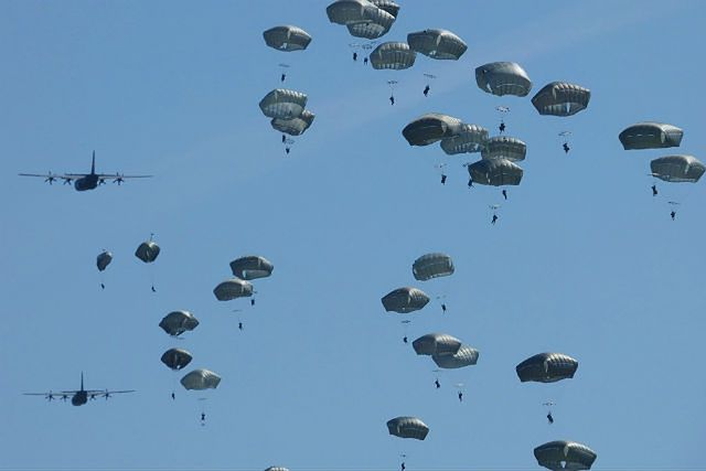 Największa od dekad operacja powietrznodesantowa NATO