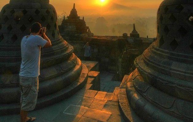 Jedyny taki wschód słońca, Indonezja
