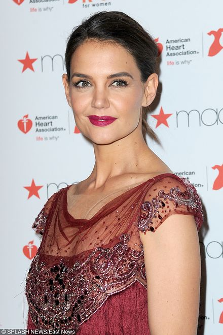 Katie Holmes na Go Red For Women