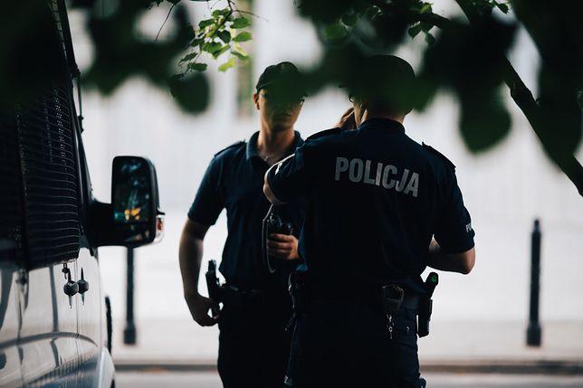 Sławomir P. ugryzł jednego z policjantów w palec