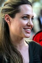 Angelina Jolie jak księżna Diana