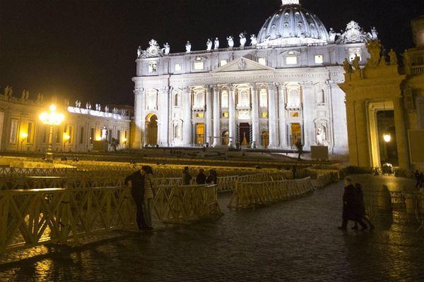 Droga Krzyżowa w Koloseum: prośba o przebaczenie za nadużycia wobec dzieci
