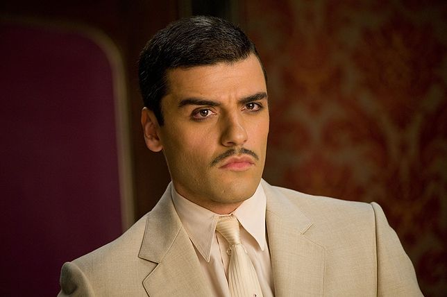 "Oscar Isaac w filmie ""Sucker Punch"" (2011)"