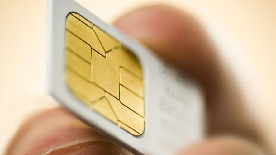 Elektroniczne, wbudowane na stałe e-SIM uwolnią nas od fizycznych kart