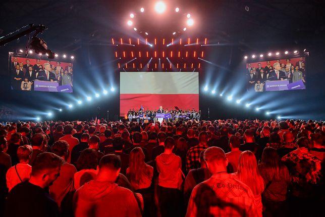 Swoją aktywność polityczną Wiosna Biedronia rozpoczęła od imponującej konwencji. To wywołało pytania o źródła finansowania.