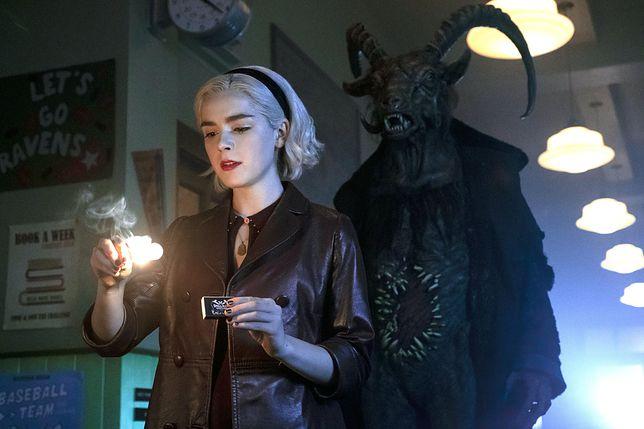"""""""Chilling Adventures of Sabrina"""": Nastoletnia czarownica powraca z jeszcze mroczniejszym sezonem"""