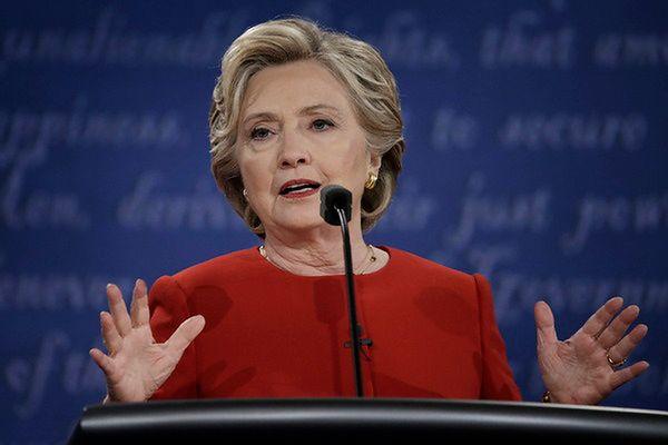 FBI wznawia śledztwo ws. Clinton