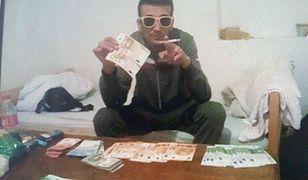 Napadali na listonoszy i fotografowali się z pieniędzmi. Zadziwiający list gończy