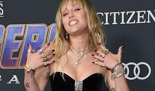 Miley Cyrus ma 26 lat