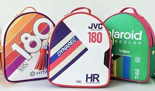 Wracają kultowe kasety VHS. Nowa moda na plecakach i portfelach