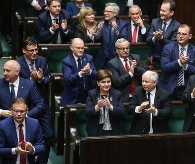 Wyborcza gra PiS. Zwlekają z budżetem. Efekt? Prezydent zdecyduje o losie Morawieckiego