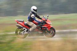 Jazda na motocyklu 125 cm3: to nie takie proste