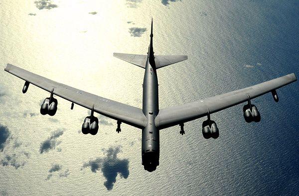 Siły powietrzne USA już wzmacniają obecność w Europie. Przysyłają ciężkie bombowce B-52