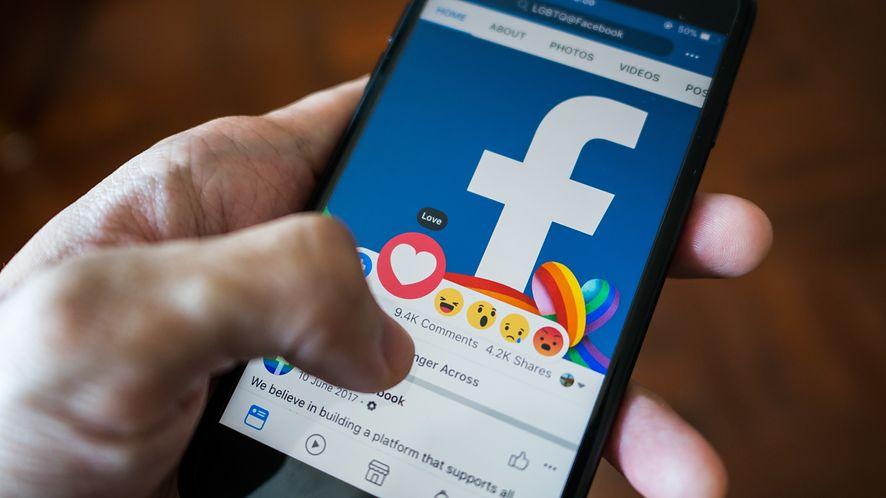 Facebook walczy z fake newsami /Fot. Shutterstock