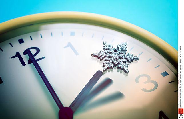 Zmiana czasu z letniego na zimowy w 2018 roku. Już niedługo będziemy musieli przesunąć wskazówki o godzinę.