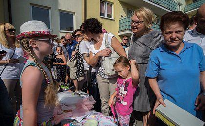 Mała Asia zebrała 100 tys. zł dla chorej matki. Urzędnicy zabrali zasiłki