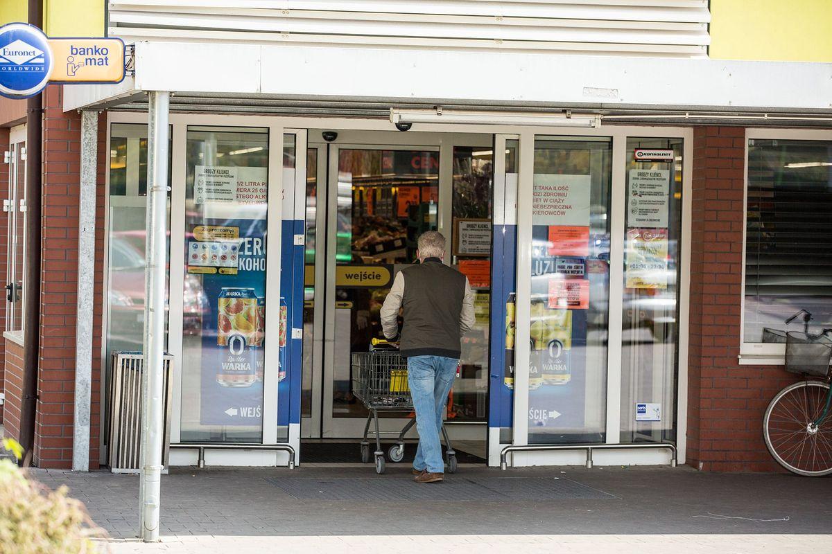 Polacy coraz częściej kradną w sklepach