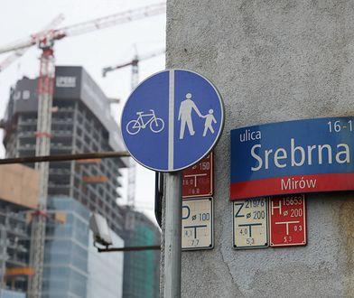 Biuro Sadren mieści się w Warszawie pod tym samym adresem, pod którym miały powstać słynne dwie wieże