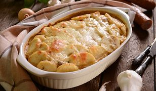 Zapiekanka z ziemniakami jest jedną z propozycji na obiad z niczego.