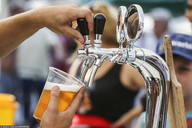"""Portugalia. Piwo ma pomóc w walce z COVID-19. """"Nikt nie był na tyle szalony"""""""