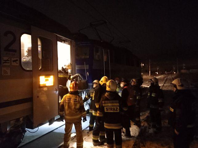 Świętokrzyskie. Dramat na torach. Pociąg potrącił dwie osoby (Fot. OSP Ożarów)