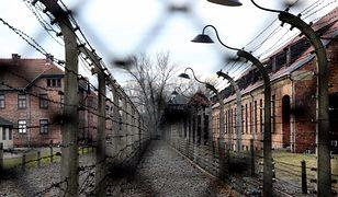 W artykule zabrakło wyjaśnienia, że nazistowski obóz powstał na terenie Polski, kiedy była okupowana przez Niemcy.