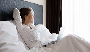 Chcesz pracować zdalnie w hotelu, pensjonacie lub domku w górach? Sprawdzamy, czy grozi ci mandat