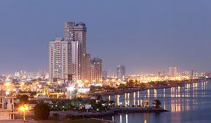 Miasto Ras al-Chajma oddalone jest o ok. 110 km od Dubaju