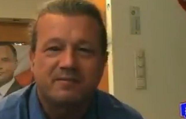Zobaczcie pełne zdjęcie, na którym widać wyraźnie, co ma za plecami Jakimowicz