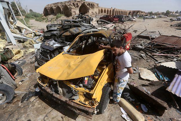 Zniszczenia po ataku w Iraku