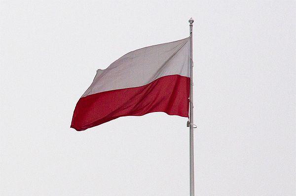 Rekordowa biało-czerwona flaga na Maszcie Wolności