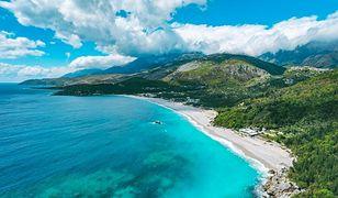Albańskie wybrzeże to mnóstwo pięknych plaż i bajecznych widoków