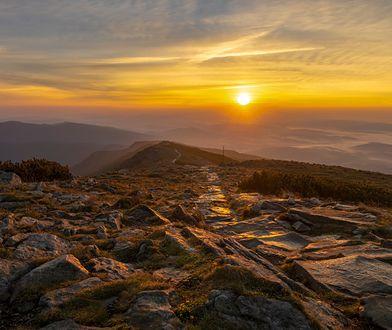 Babia Góra o zachodzie słońca