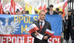 Tomasz Greniuch podał się do dymisji. Jest apel o odebranie odznaczenia państwowego