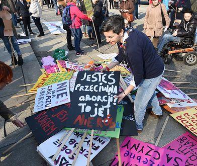 Transparenty na jednej z polskich manifestacji feministycznych