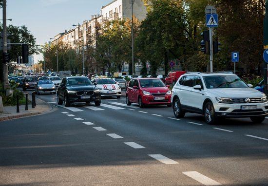Warszawa. Ruch na drogach normalizuje się