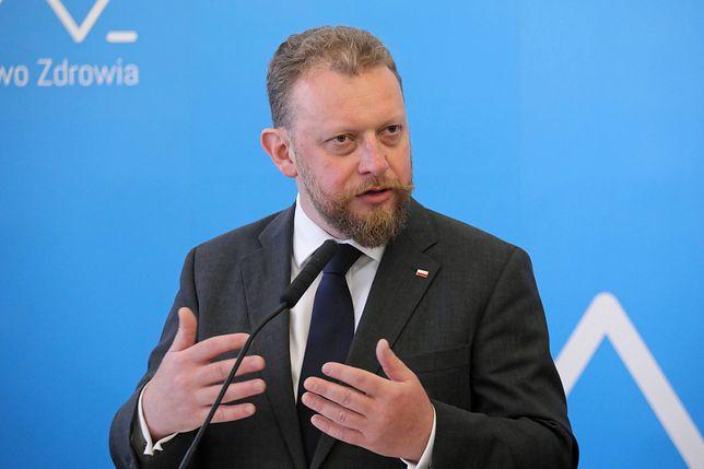 Minister zdrowia Łukasz Szumowski przyznał, że były problemy ze specjalną infolinią