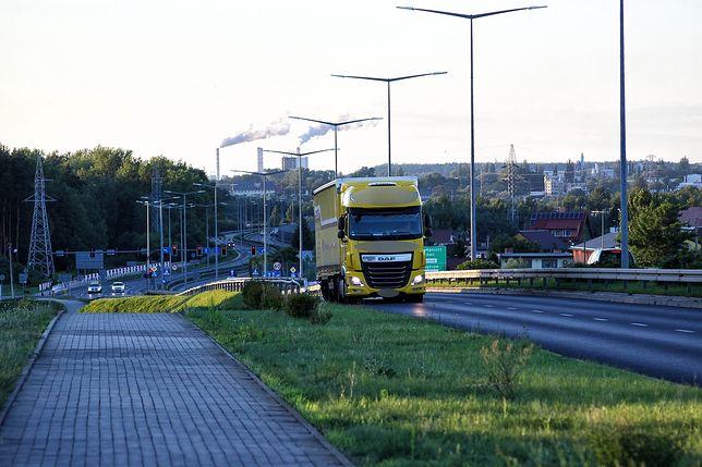"""Pomorskie. Rumuński kierowca ciężarówki jechał """"pod prąd"""" autostradą A1 (zdj. ilustr.)"""