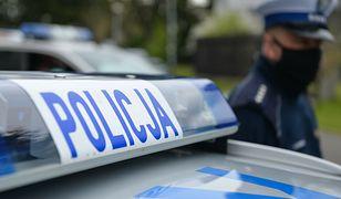 Incydent przed kościołem w Warszawie. Półnagi mężczyzna straszył ludzi