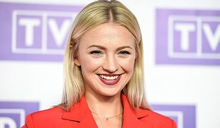 Aktorka często podkreśla usta mocnym kolorem szminki