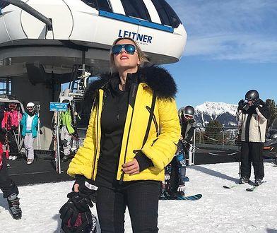 Karolina Szostak szusuje na nartach w Alpach. Fani są zaniepokojeni