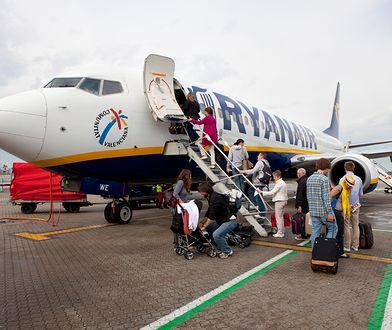 Pasażer Ryanaira zapłacił za bilet dwa razy więcej. Powodem był telefon