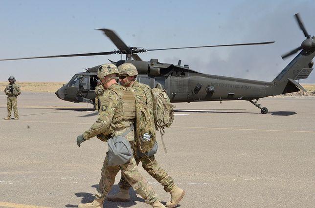 Irak. Na nadzwyczajnej sesji parlamentu przyjęto rezolucję o wycofaniu zagranicznych wojsk z kraju