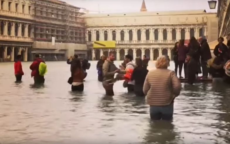 Ewakuacja turystów