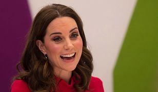 """Księżna Kate może nie pojawić na """"royal wedding"""". Fani doszukują się powodów"""