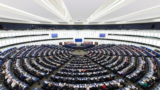 Decyzja PE nie spodobała się Polakom. Sondaż