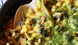 Kurczak z warzywami w sosie ze śmietany z curry