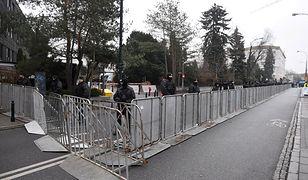 Przed Sejmem rozstawiono rząd barierek
