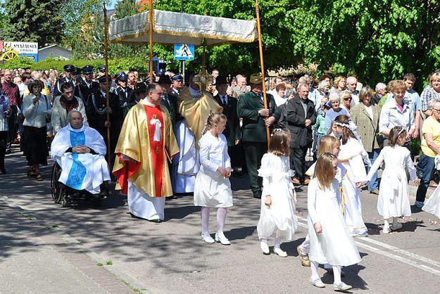 Katolicy obchodzą Boże Ciało. W całej Polsce odbędą się liczne procesje